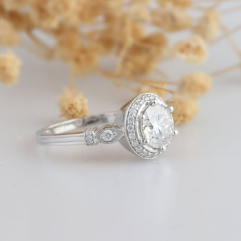 Round Cut Vintage Moissanite Ring Engagement Ring