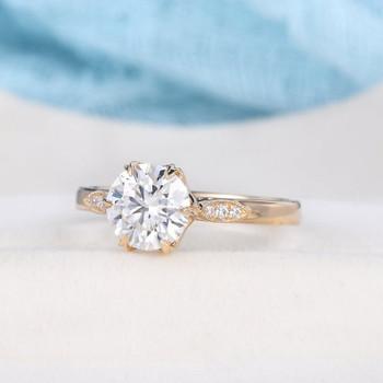 Yellow Gold 7mm Round Moissanite Wedding Ring Diamond Engagement Ring