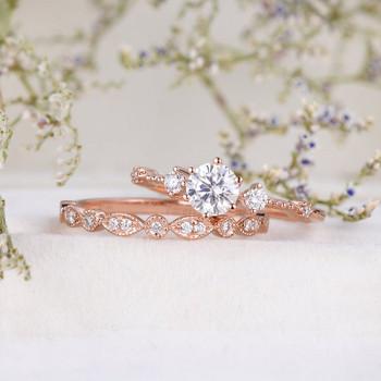 2pcs 5mm Round Cut Moissanite Ring Set Rose Gold Engagement Ring Bridal Set