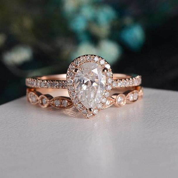 Rose Gold  6*9mm Pear Cut Moissanite Engagement Ring Set