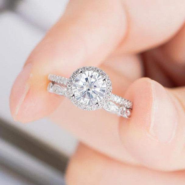 6.5mm Round Cut Antique Moissanite Bridal Set