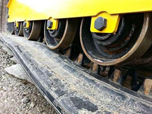 bottom-roller-for-case-TV380-track-loader-1