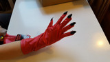 Scream Queens Red Devil Gloves - image arriere
