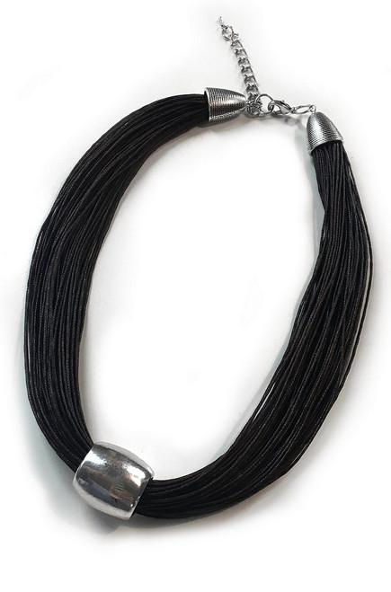 Collier noir avec argent