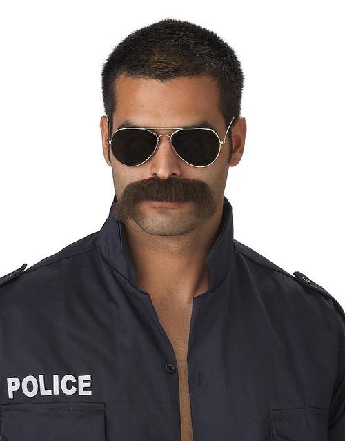 L'homme Mustache