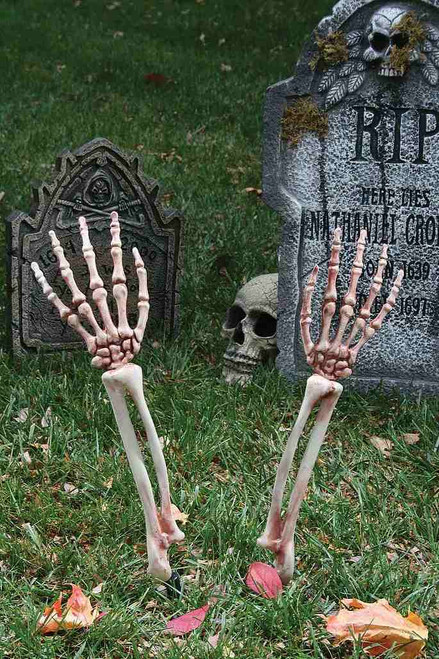 Bras de Squelette Réalistes Sortant du Sol