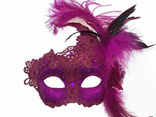 Masque avec Plume Latérale Rose