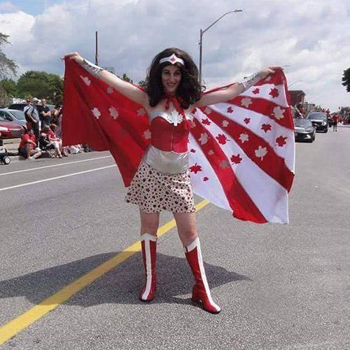 Costume de Wonder Woman sur le thème canadien