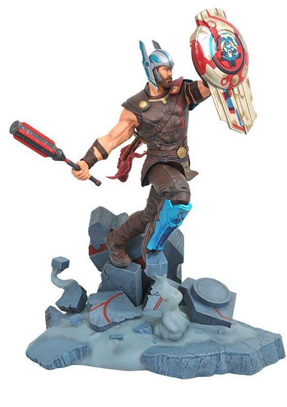 Marvel Movie Milestones Thor Ragnarok Gladiator Thor Resin Statue