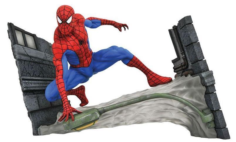 Marvel Comic Gallery Spider-Man Webbing PVC Diorama