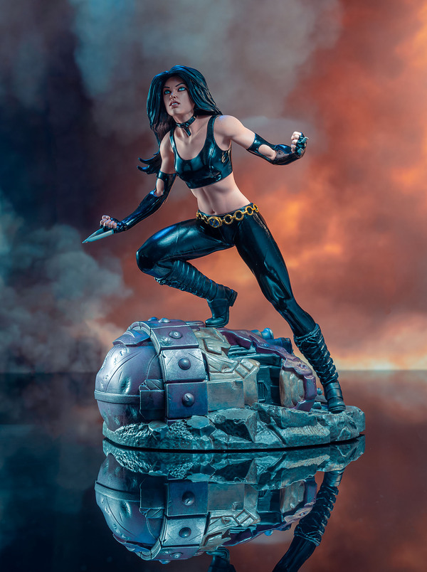 Marvel Comic Premier Collection X-23 Resin Statue