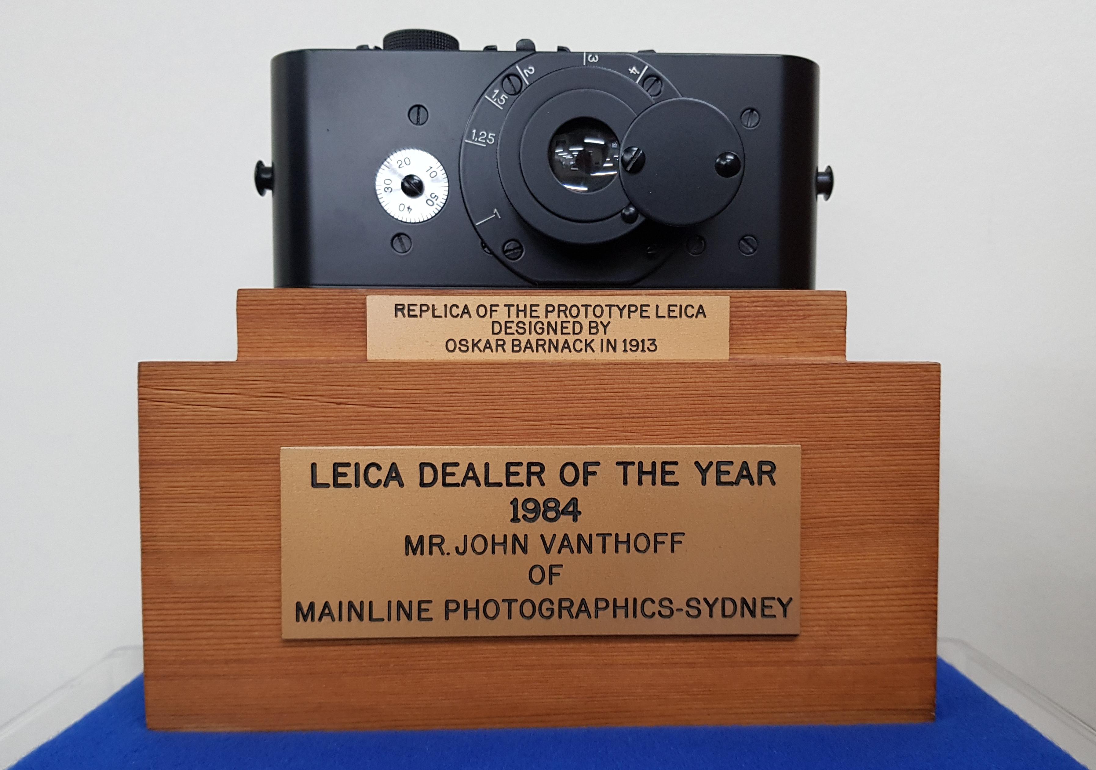 leica-dealer-of-the-year.jpg