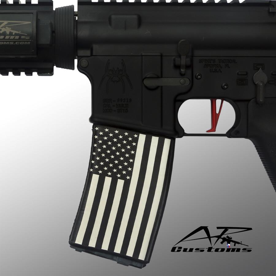 Black & White US Flag Soc