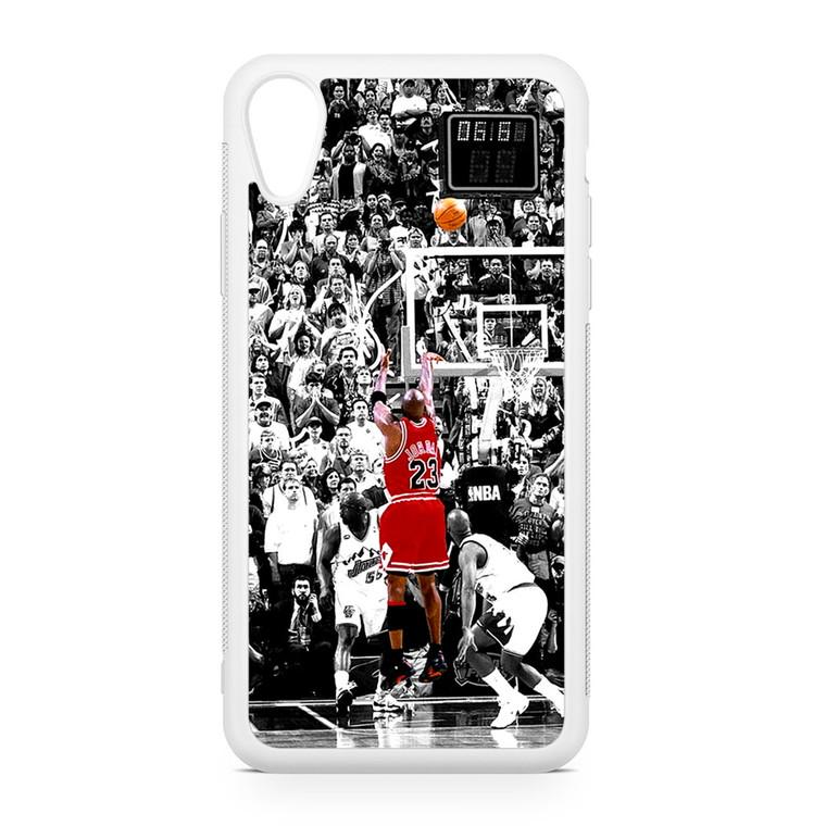 Michael Jordan Shoot in NBA iPhone XR Case