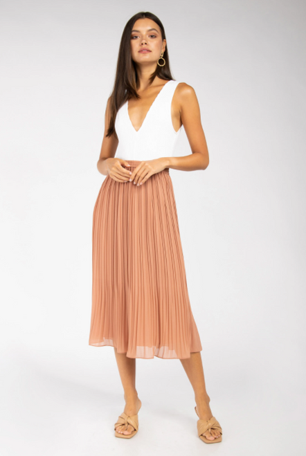 Stimulus Pleated Midi Skirt in Dusty Peach