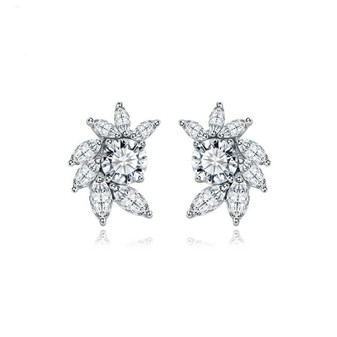 Sparkly Flower Stud Earrings For Weddings
