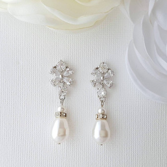 Pearl Drop Earrings, Bridal Earrings, Swarovski Pearl Earrings, Crystal Flower Earrings, Dangle Bridesmaid Earrings, Wedding Jewelry, Lila