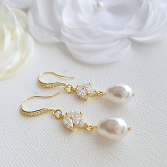 Pearl Dangle Earrings Gold-Leila