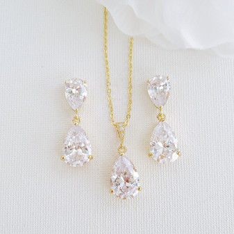 Jewellery Set for Brides and Bridesmaids in Yellow Gold-Clara