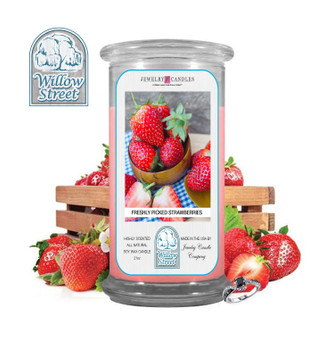 Fresh Picked Strawberries ,18 oz Jewelry Candle Surprize Prize Inside