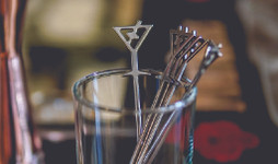 Drink Stirrers & Cocktail Picks