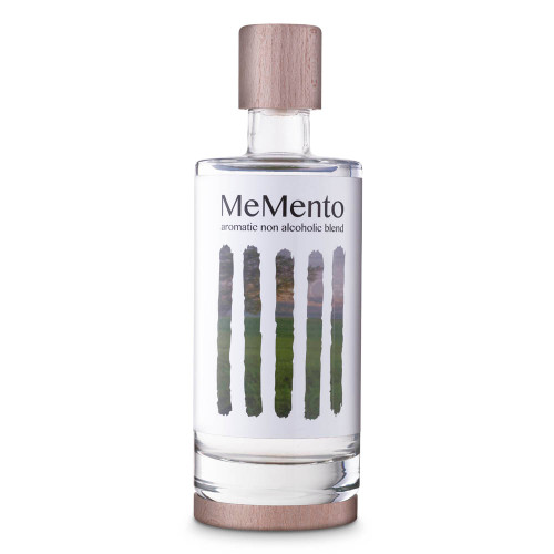 MeMento Aromatic Non-Alcoholic Distilled Blend Spirit Alternative - 700ml - Original