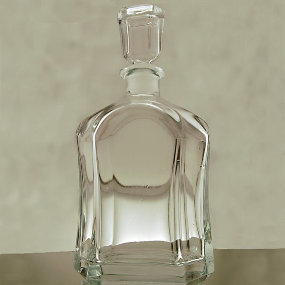 glass liquor decanters