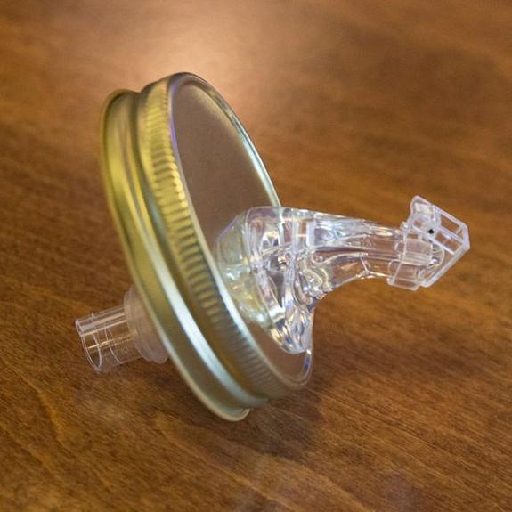 Moonshine Spout Free-Flow Mason Jar Flip-Top Pouring Lid