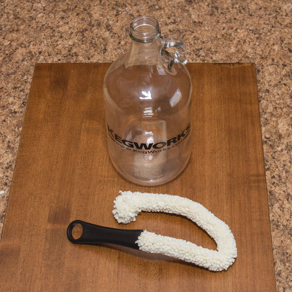 Non-Scratch Growler Cleaning Brush