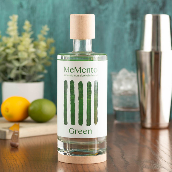 MeMento Aromatic Non-Alcoholic Distilled Blend Spirit Alternative - 700ml - Green