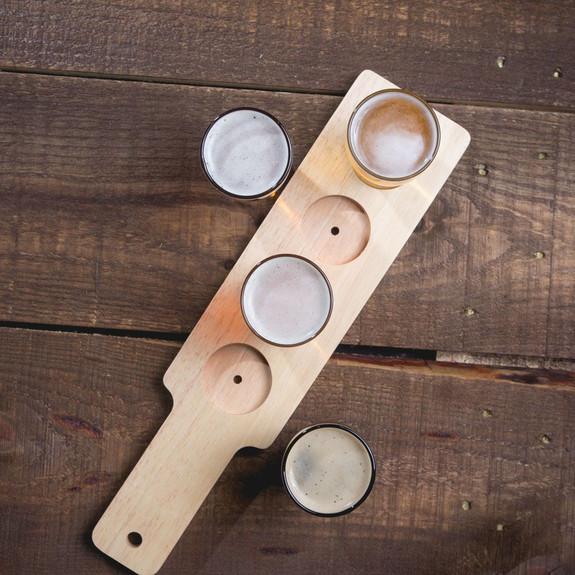 Beer Tasting Serving Set - Wood Paddle & 4 Glasses
