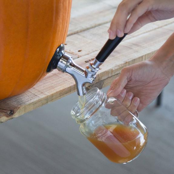 The Pumpkin Tap Kit - Dispensing