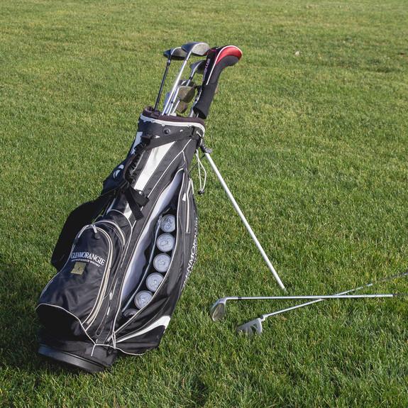 Par 6 Golf Bag Can Cooler on golf course