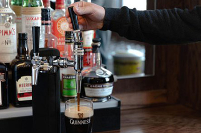 How to Pour a Guinness the Right Way...But Does it Really Matter?