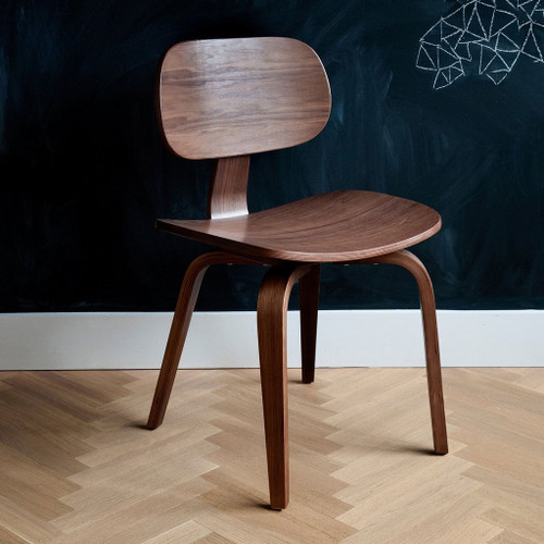 Thompson Chair SE by Gus Modern