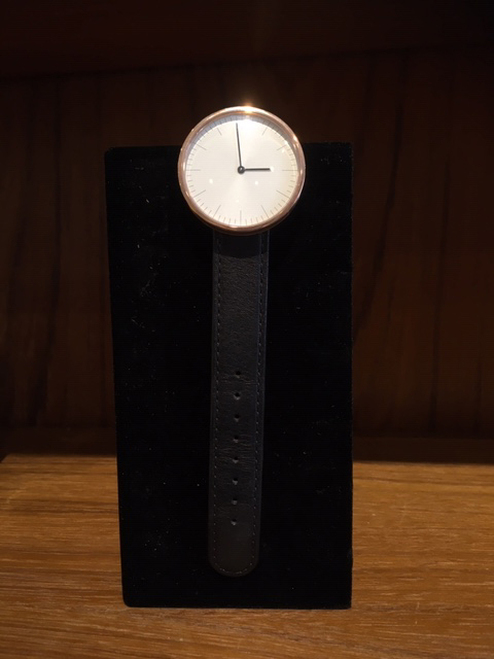Circles Club Watch with Rose Bezel