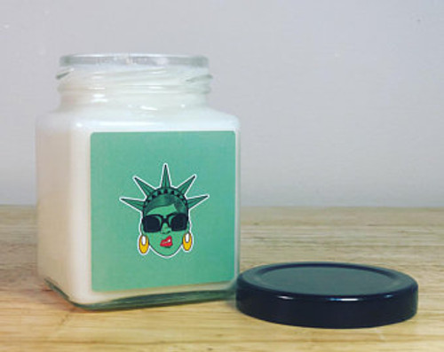 Ladie Liberty Cube Candle
