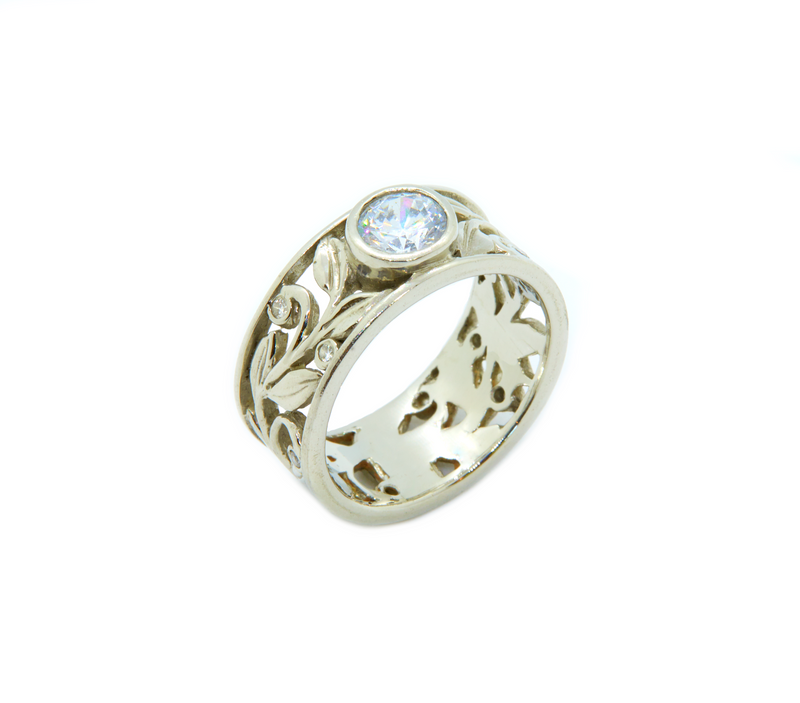 Takohl Floral Band Ring Gold and Diamond