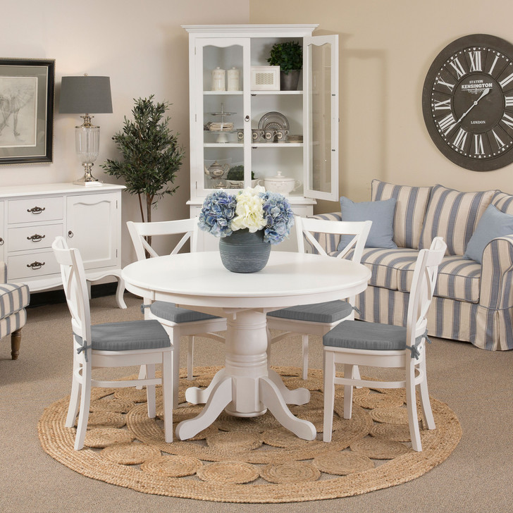 Hampton Extension Dining Table with Hampton Chairs with Tie-On Cushions
