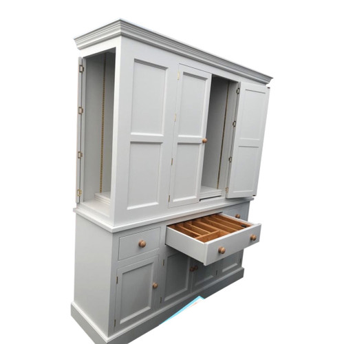 The stunning Holkham kitchen larder with soft close drawers, pull out sliding shelf trays and spice racks on all doors as standard