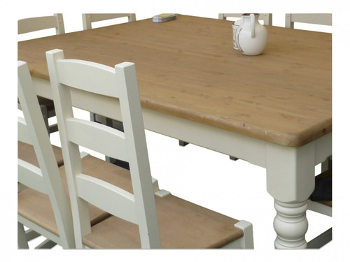 "Mid oak table top with round leg, table base colour ""white tie"""