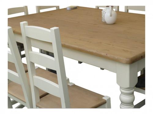 "Mid oak table top with round leg, table base colour ""white tie"""