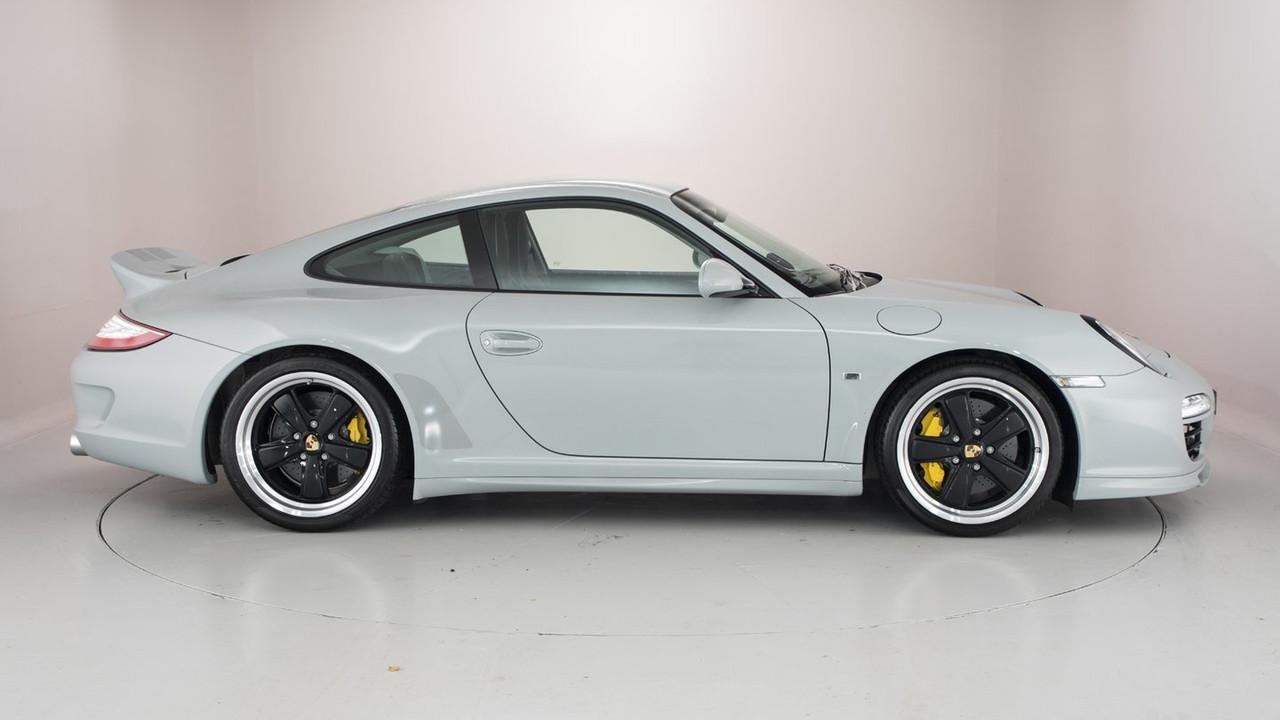 911 (997) 2004-2010