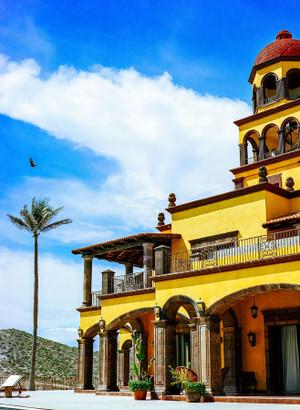 Cerritos Beach, Mexico Architecture