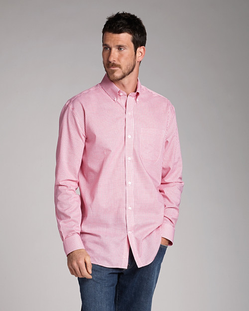 Stylish and comfortable, this 60% cotton, 40% polyester plain weave boasts a wrinkle-resistant finish.