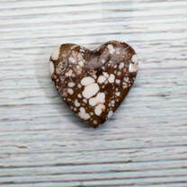 Wild Horse Magnesite Heart(Arizona) 31x31x7mm WHH7M