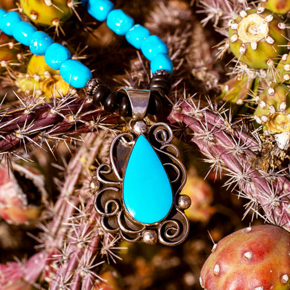 Sleeping Beauty Turquoise Pendant w/Nugget Strand & Jet -SBTSb2