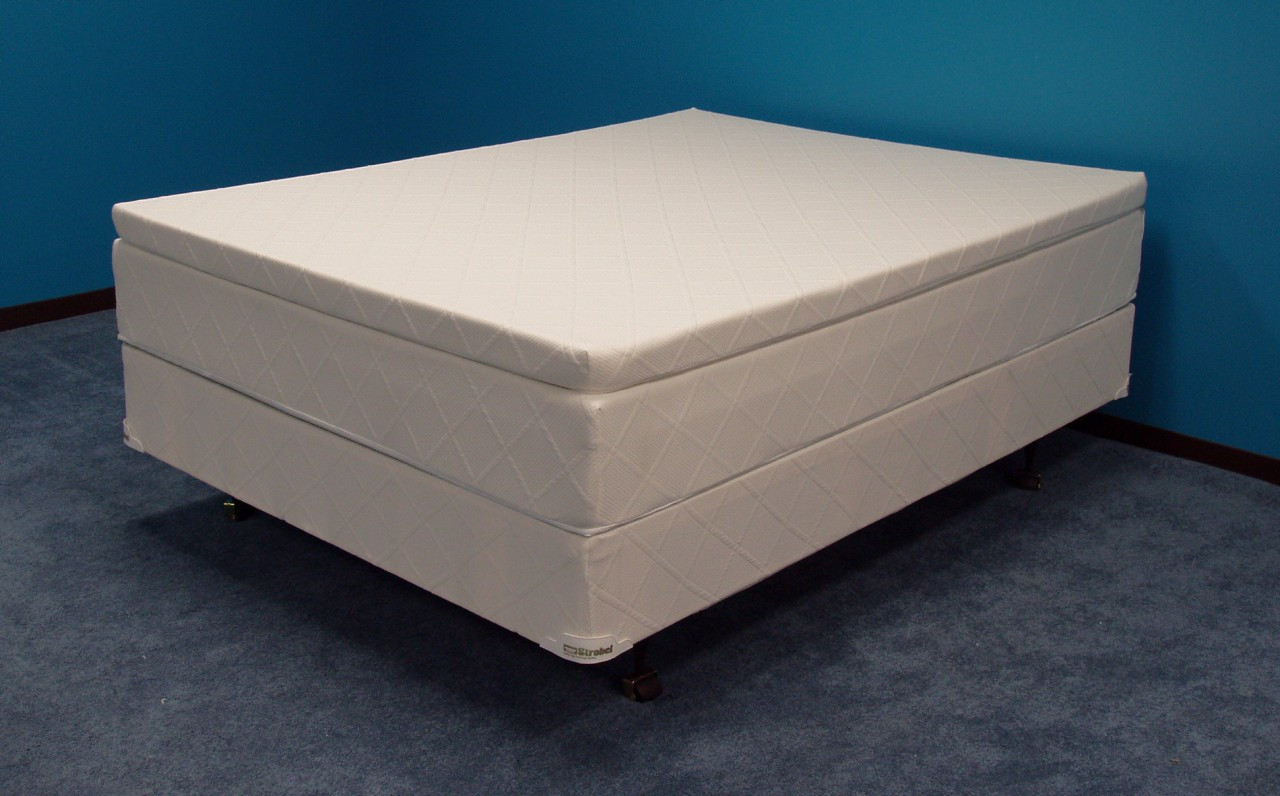 Strobel Futura Waterbed with 3-inch memory foam layer