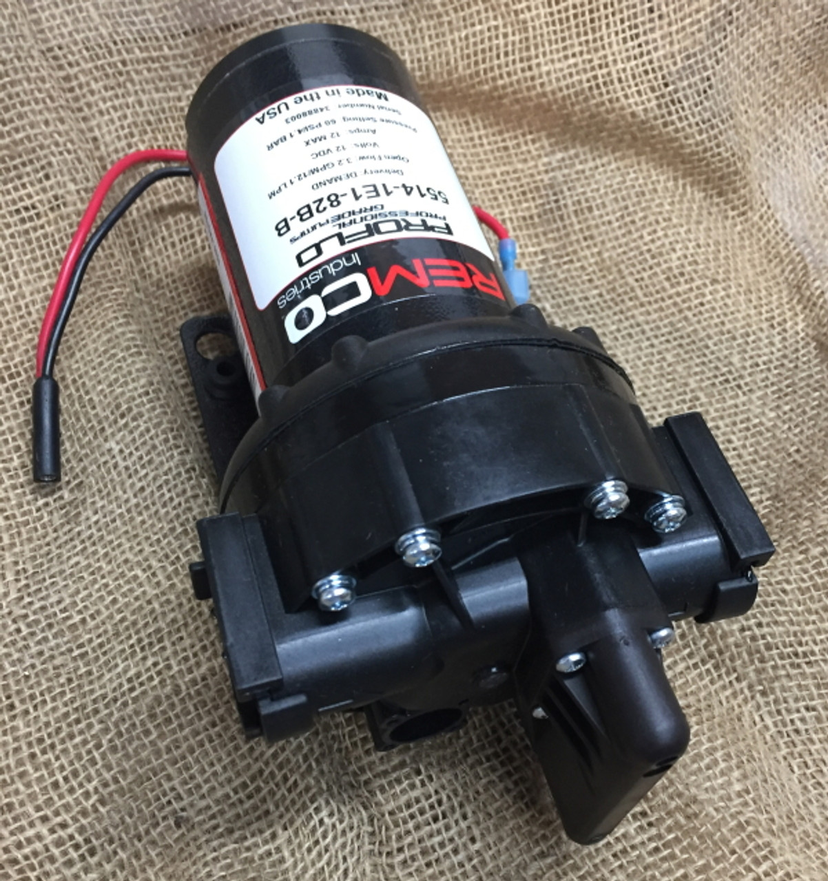 Remco automatic 12v DC pressure pump model 5514-1E1-82B No 4.
