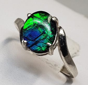 Swirled Sterling Silver Triplet Ammolite Ring with An Oval Ammolite